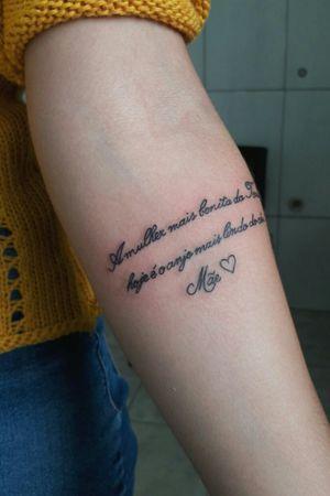 @marciellythome #marciellythome #tatuagemfeminina #tatuagemsensual #tatuagemsexy #tatuagempequena #tatuagemfrase #frase #tattoo #tatuagemmãe #tatuagemhomenagem #tatuagemminimalista #tatuagemtraçofino #traçofino #traçodelicado #fineline #slimline