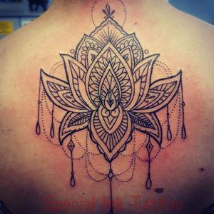 #mandalas #mandalatattoo #shoulderpiece #back #backtattooo #heilbronn