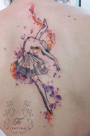 Watercolor tattoo ballerina/ tatuaj watercolor #watercolortattoo  #tattoo #inked #tatoobucharest #tatuajebucuresti #ballerinatattoo #Tattoodo #thtattoo #salontatuajebucuresti  #salontatuaje  www.tatuajbucuresti.ro