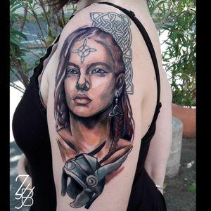 Une deuxième séance faite à Memory Act - Tattoo Parlor pour cette Valkyrie ! Merci encore à Macha et Alicia pour cette superbe semaine ! #valkyrie #valkyries #valkyriecrusade #valkyrietattoo #celtic #celtics #celticknot #celtictattoo #warrior #femalewarrior #helmet #neotrad #neotraditional #zeldabjj #zeldablackjeanjacques #colmartattoo #frenchtattoo #tattooartist #tattooart #tattoolover #graphictattoo #neotraditionaltattoo #guestartist #tattoosnob #tattoolife #tattooartmag #tattoosketch #tattooink #inkedup #colortattoos