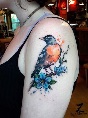 Merci à Molly pour ce petit oiseau bien coloré ! 🐦🍃🌼 Thank you Molly for this little colourfull bird! Merci à MTL tattoo pour l'accueil au shop Nord de Montréal 🐿🇨🇦💛 #bird #oiseau #birdtattoo #robin #rougegorge #watercolortattoo #watercolor #aquarelle #armtattoo #shouldertattoo #welovebirds #womantattoo #colourfull #colourfullife #orangebird #zeldablackjeanjacques #zeldabjj #tatts #tattoos #naturetattoo #inkedupgirls #inked #tattooart #tattoed #flowerbranch #flowers #blueflowers #tatouageaquarelle #welovenature