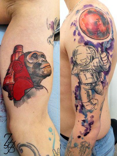 Merci à mon client pour ces tatouages autour de l'exploration spatiale. Ils viennent compléter les tatouages autour de l'exploration des profondeurs que j'ai déjà tatoués sur l'avant bras. Noir de l'astronaute déjà cicatrisé et couleurs fraîches. 🐵🐒⭐🌠🌑🚀 #monkey #monkeytattoo #astronaut #astronauttattoo #astronaute #space #spacetattoo #espace #starstattoo #watercolor #watercolortattoo #aquarelle #zeldabjj #zeldablackjeanjacques #colmartattoo #colmar #alsacetattoo #frenchtattoo #tattooartist #tattooart #tattoolife #tatouage #tattoolifemagazine #tattooartmagazine #neotradeu #neotrad #neotraditionaltattoo #neotradtattoo #neotradstyle #neotradsub