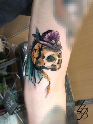 "Voici le flash de la ""Mariée"" qui a été adopté lors de la convention de Colmar ! #squelette #squelettetattoo #crâne #cranetattoo #skull #skulltattoo #skeleton #skeletontattoo #skeletonbride #zeldablackjeanjacques #zeldabjj #frenchtattoo #colmartattoo #tattooart #tattoolover #colortattoo #tattoo #tatouage #inked #inkedup #inklife #bodyart #ink #tattoolifemagazine #tattooartmagazine"