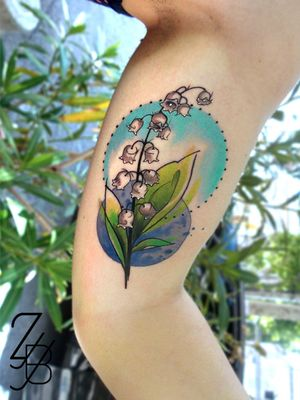 Un brin de muguet, parce qu'on est toujours en mai ! Un autre tatouage fait à Memory Act ! #muguet #lilyofthealley #lilyofthealleytattoo #zeldablackjeanjacques #zeldabjj #colmartattoo #frenchtattoo #tattoo #tatouage #tattooartist #tattoodesign #graphic #graphictattoo