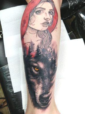 Trabalho feito em colaboração com meu amigo Felipe Gonçalves #wolf #wolftattoo #art #arte #artfusion #electricink #electricinkbrasil #lobo #tattooed #tattooartist #tattooart