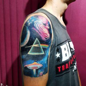 Trabalho feito em 7 horas.  Electricink Pen  #pinkfloyd #tattoo #tatuagem #arte #art #realism #blackandgrey #electricink #colour #space #cosmos #artfusion #brazil