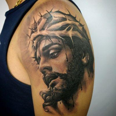 Jesus Cristo #rio #riodejaneiro #riodejaneiroinstagram #electricink #tattoo2me #melhorestatuagensrio #tattooart #tattoodesign #religoustattoo #religion #religious #JesusChrist #jesus #jesustattoo #blackworker #blackandgreytattoo #blackandgrey #tattooartist #tattooed