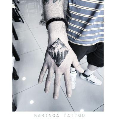 ⛰ Instagram: @karincatattoo #mountain #dağ #hand #el #black #tree #tattoo #tattoos #tattoodesign #tattooartist #tattooer #tattoostudio #tattoolove #tattooart #istanbul #turkey #dövme #dövmeci #design #girl #woman #tattedup #inked #ink #tattooed