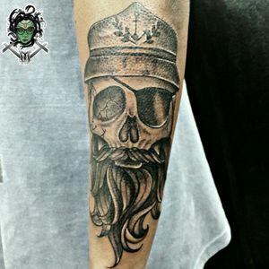 #NaneMedusaTattoo #tattoo2me #tattoo #tatuagem #tattooart #tattooartist #tattoolover #tattooer #tattoodoBR #riodejaneiro #tatuadora #tatuadoras #viperink #Sulacap  #skull #skulltattoo #caveira