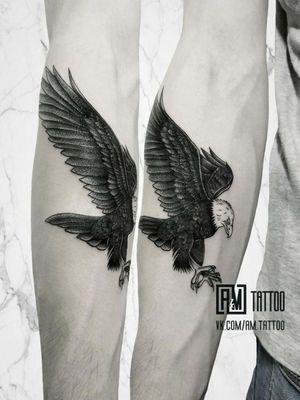 Eagle by @maxsugrob and @angelmetall ____________ #am_tattoo #angelmetall #maxsugrob #eagletattoo #blacktattoo #besttattoo #handtattoo #graphictattoo
