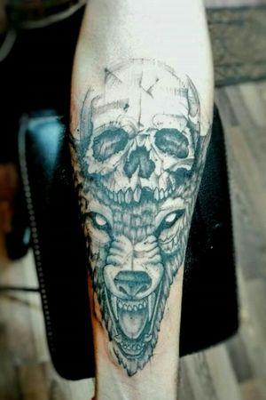#mauromilan #tattooblackandgrey #tattoowolf #CalaveraTattoo
