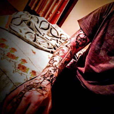 My first and not last. 😎💉 #fattas #blackmoon #blackmoonstudio #trashpolka #creative #chaos #colors #colortattoo #stars #drums #sleeve #sleevetattoo #tree #assassinscreedtattoo assassinscreed #compass #compasstattoo #music #first #firstattoo