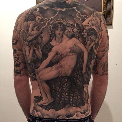 #MarcoVergel #fechamentoDeCostas #backpiece #fechamento #religiosa #religious #anjo #angel #pretoecinza #blackandgray #raio #lightning