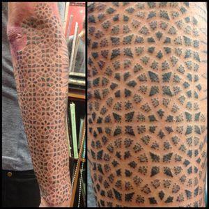 #MaudDardeau #geometric #dotwork #sleeve