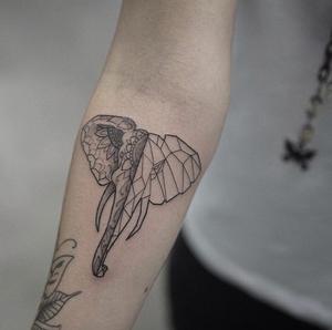 Mandala elephant by Ele // elemags #blackworkerssubmission #equilattera #tattoolife #tattoo2me #btattooing #skinartmag #inkjunkeyz #thebesttattooartists #tattooistartmagazine #williamsburg #bushwick #madeinbrooklyn #nyctattoo #williamsburgtattoo