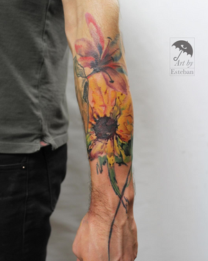 Fun watercolor flowers for Jerome. Thanks for coming back in, man! #watercolor #flowers #floral