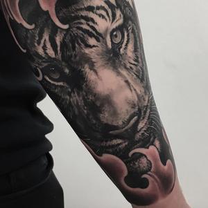 Close up, grrr 🌊 #irezumicollective #tigertattoo #fingerwaves #tattoo #inkart #blackandgreytattoo #oriental #orientalart #orientaltattoo