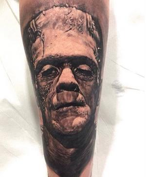 Tiziano Ripanti #tattooexperience # first2017 #frankenstein #realistic #blackandwhite #ancona #italy #tanks #robertoderosa