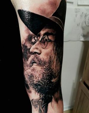 Tiziano Ripanti. John Lennon done at @tattooexperience whit @rekuna_machine #blackandwhite #blackandgray #portrait #johnlennon @johnlennonofficial #tattooer #tattooartist @tattoorealistic @tattoomadeinitaly @tattooistartmag #jonlennontattoo Thanks Michele.