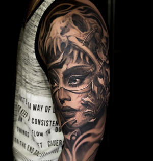 Black and grey tattoo by victorportugal #victorportugal #blackandgrey #darktimesmachines #blackandgreytattoo #victorportugalneedles #victorportugalshadingseries #blackandgrey