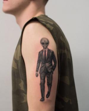 Alien tattoo by F. Pacheco #alien #bangbang