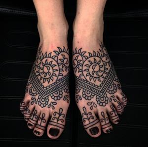 Mehndi feet by Matt Chahal #mehndi #linework #sacred #yoga