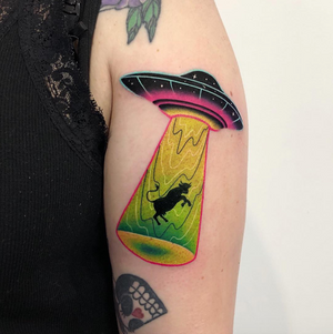 UFO by Daria Stahp 👽 #ufo #ufotattoo #alien #alientattoo #cowtattoo #colortattoo #warsawtattoo