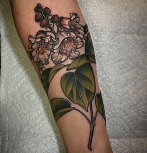 Catalpa flower by Kirsten Holliday #catalpa #floral #flower