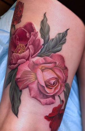 Spring flower tattoo by Megan Massacre #meganmassacre #flowertattoo #gritnglory