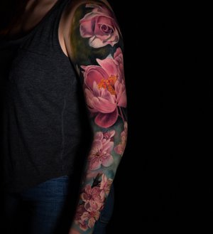 By Vero Imbo #color #realism #roses #flower