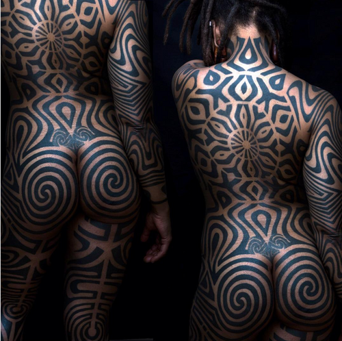 Tattoo by Tomas Tomas. Photo by Peter Durin  #geometric #blackwork #sevendoors