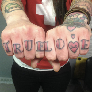 #truelove💕 #knuckledusters #finger done by Amalia Wendell