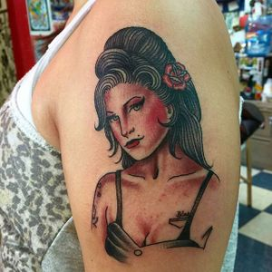 Traditional #amywinehouse #pinup by Jason Fancher at #elmstreettattoo. #traditionaltattoo #pinuptattoo #dallastattoo #walkinswelcome #americantraditional #walkintattoo #deepellum #deepellumtattoo #deepellumart #heartinhandgallery #amywinehousetattoo