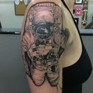 Astronaut done by Anthony Garcia to kick off a celestial sleeve. Thanks for looking. #lastangels #dallastattooshop #dallas #texas #greenvilleave #astronaut