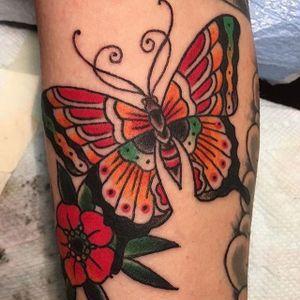 Butterfly by Charlie Foos! #readstreettattoo #charliefoos #butterflytattoo #butterfly #baltimoretattoo #marylandtattoo #traditionaltattoo #traditional