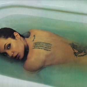 #celebrity #celebritytattoos #angelinajolie #tattoodobabes