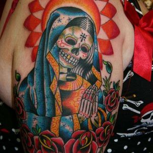 Add a twist to your #Guadalupetattoo by replacing the #face with a #Skull.