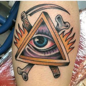 Killer piece by the boss man himself Roger. Come see him for your next tattoo! #traditionaltattoo #brightandbold #realtraditional #resurrectiontattoo #atx #austin #austintattoos #texas #allseeingeyetattoo #allseeingeye
