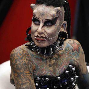 #extremetattoos #bodymodification #extremebodymodification #vampire #horns #piercing