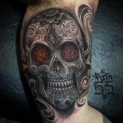 Sugarskull #skull #sugarskull #redroses #redrose #blackandgrey #gothiccityink #ny