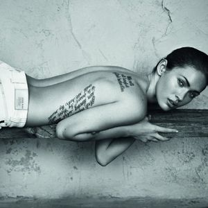 #meganfox #ribs #backtattoo #celebrity