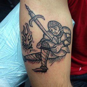By Magie Serpica #statenisland #statenislandink #statenislandtattoo #statenislandtattoos #linework #blackwork #knight #sword