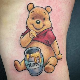Winnie The Pooh by Carly Baggins (via IG—carlybaggins) #carlybaggins #cute #neotraditional #characterportrait #cartoon #winniethepooh
