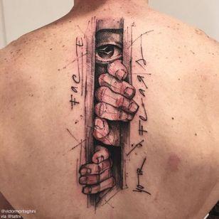 Encare seus medos #VictorMontaghini #brasil #brazil #tatuadoresdobrasil #brazilianartist #estilorascunho #sketchstyle #hand #mao #eye #olho #frase #phrase #quote