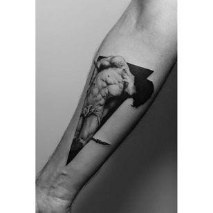A very saintly tattoo from Pawel Indulski's (IG—dotyk.tattoo) portfolio. #artistic #blackandgrey #dotwork #PawelIndulski #pointillism #saint #stippling