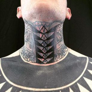 Throat tattoo by Curly Moore #curlytattoo #linework #freehand #blastover #curlymoore