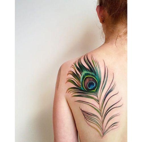 Peacock Plume by Amanda Wachob (via IG-amandawachob) #feather #peacock #watercolor #color #illustrative #AmandaWachob