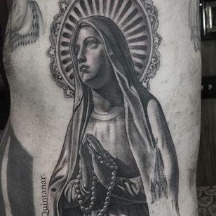 Mary praying. (via IG - chueyquintanar) #blackandgrey #religious #religioustattoo #chueyquintanar