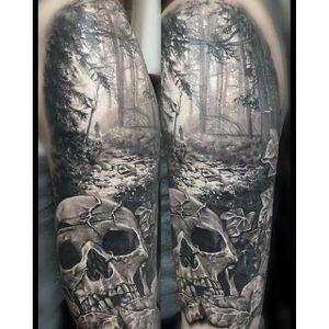 Amazing black and grey landscape by @sofsmade #blackandgrey #landscape #skull
