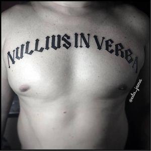"""Nullius In Verba"" #letrasexclusivas #freehand #lettering #caligrafia #EduJama #brasil #brazil #portugues #portuguese"